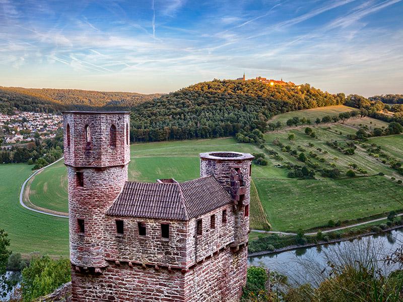 Das Schwalbennest - Burg Schadeck und der Dilsberg bei Sonnenuntergang